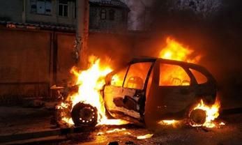 В Киеве сгорела иномарка - фото 1