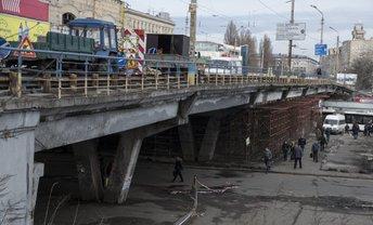 "Шулявский мост ""зарегался"" в сети - фото 1"