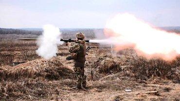 На Донбассе бои идут весьма активно - фото 1