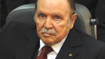 Президент Алжира устал и ушел в отставку - фото 1
