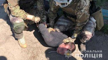 Спецназовцы задержали подозреваемого в убийстве полицейского - фото 1