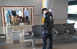 В Одессе заминировали аэропорт, идет эвакуация  - ФОТО - фото 1