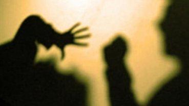 Физрук побил школьника и унизил его на глазах у сверстников - фото 1