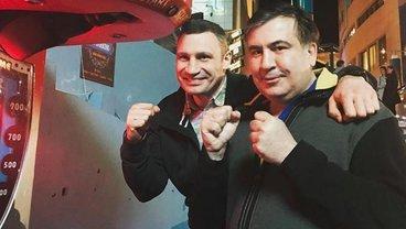 """Кличко собирается отдать лидерство в """"УДАРе"""" Саакашвили - фото 1"""