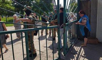 Российские террористы устроили карательную акцию на рынке в Симферополе - фото 1