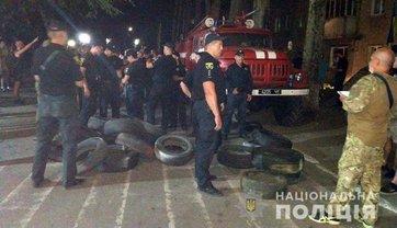Аваков отправил спецназ к ОИК №50 - фото 1