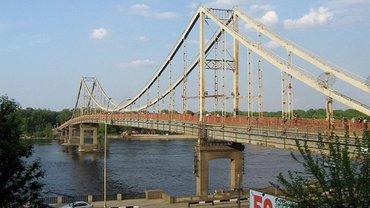Пешеходный мост на Труханов остров разрушается - фото 1