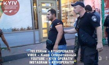 Охамевшие цыгане избивают копов прямо в полицейских участках - фото 1