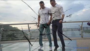 В мостике Кличко завелась жизнь – ФОТО, ВИДЕО - фото 1