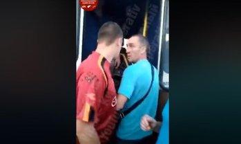 Безумный водитель маршрутки силой вытаскивал владельца УБД из автобуса - фото 1