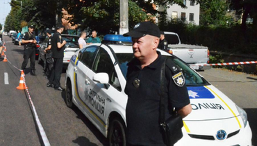 """Полицейскому прострелили ногу в Житомире: объявлен план """"Сирена"""" - фото 1"""