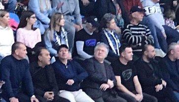 Коломойский пришел посмотреть на игру сына - фото 1