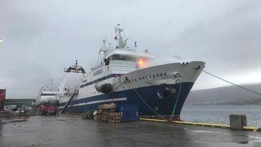 Норвежцы могут затопить представляющее угрозу российское судно - фото 1