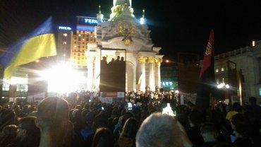 Украинцы напоминают Зеленскому о недопустимости капитуляции - фото 1