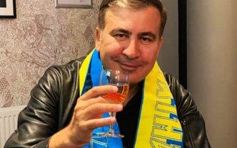 Сотни евро за бутылку: Саакашвили наладил продажу вина - ФОТО - фото 1