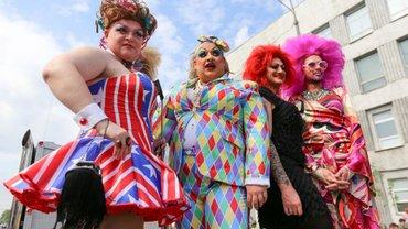 В Черновцах запретили ЛГБТ-парады. Раскрыты детали - фото 1