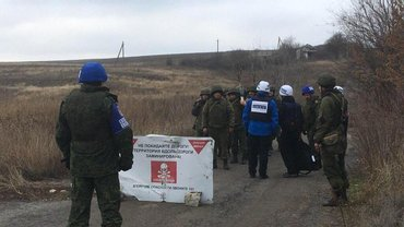 Украинские военные покидают Петровское - фото 1