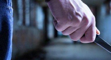 В Ужгороде полицейского пырнули ножом, преступнику очень не повезет - фото 1