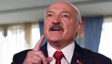Лукашенко пытается усидеть на двух стульях - фото 1