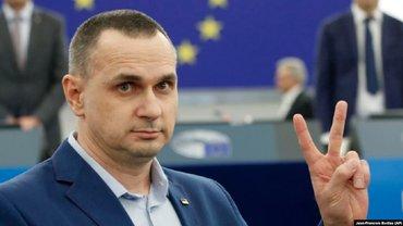 Сенцову вручили премию Сахарова – ФОТО, ВИДЕО  - фото 1