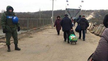 Российские террористы фактически взяли под контроль территорию, откуда отступили ВСУ - фото 1