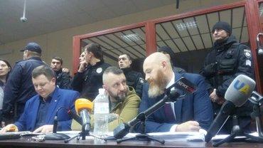 Андрей Антоненко в зале суда - фото 1