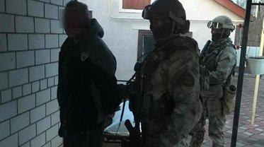 Стрелявшего в патрульных нашли в Полтавской области - фото 1