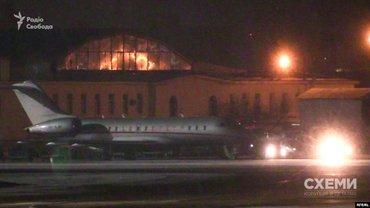Самолет был готов вывозить Зеленского из Муската уже утром, но рейс был отложен - фото 1