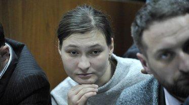 Яну Дугарь оставили под ночным домашним арестом - фото 1
