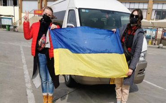 Их Китая  вывозят 48 украинцев: Здоровы ли они?  - фото 1