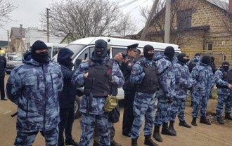 Оккупанты вломились в дома крымских татар в Бахчисарае: Что происходит?  - фото 1