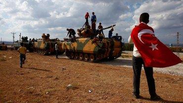 После коротких боев в Турции русские встречают борт с телами контрактников и срочников - фото 1