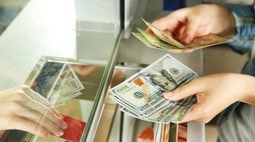 В банках не хватает долларов - фото 1
