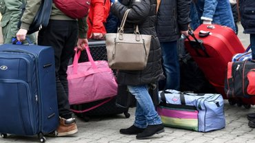 Меньше чем за месяц в Украину пустили больше полумиллиона человек - фото 1