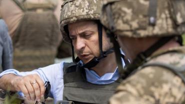 Украина готовит новый отвод войск на Донбассе – Зеленский  - фото 1