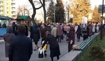 Тысячи верующих в РПЦ стремятся заразиться сами и разнести заразу по стране - фото 1