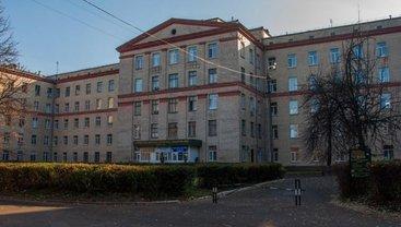 В больнице №6 Киева медики трех отделений заразились коронавирусом - фото 1
