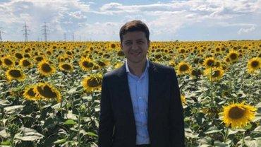 """""""Это исторический момент"""": Зеленский подписал закон о рынке земли - фото 1"""