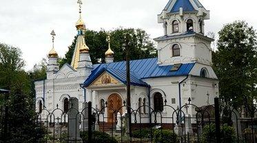 Церкви УПЦ МП продолжают быть рассадниками коронавируса - фото 1