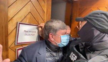 Порошенко подшутил в музее над ГБР: В ответ силовики пошли на штурм  - фото 1