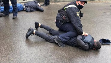 Полицейские демонстрируют некомпетентность - фото 1