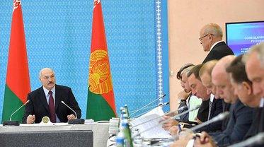Лукашенко задумал предвыборный финт ушами - фото 1