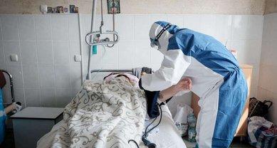 COVID-19 продолжил наступление в Украине, жертв все больше  - фото 1