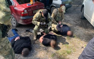 Банда полиции из Павлограда: Суд арестовал преступников - фото 1