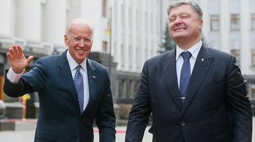 Когда стреляют в Байдена, а попадают в Порошенко - фото 1
