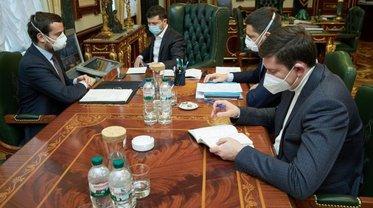Зеленский провел совещание из-за распространения коронавируса - фото 1