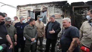 Зеленский хочет, чтобы авиация тушила пожары в Луганской области - фото 1