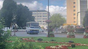 Центр Луцка перекрыт из-за захвата автобуса вооруженным мужчиной - фото 1