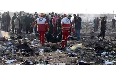 """Международная группа экспертов уже анализирует данные с """"черных ящиков"""" сбитого самолета - фото 1"""