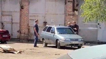 32-летний преступник находится в бегах - фото 1